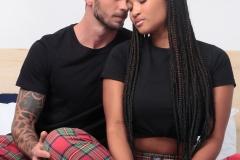 Diogo Félix e Letícia Tristão vestem calça xadrez Lolli Box