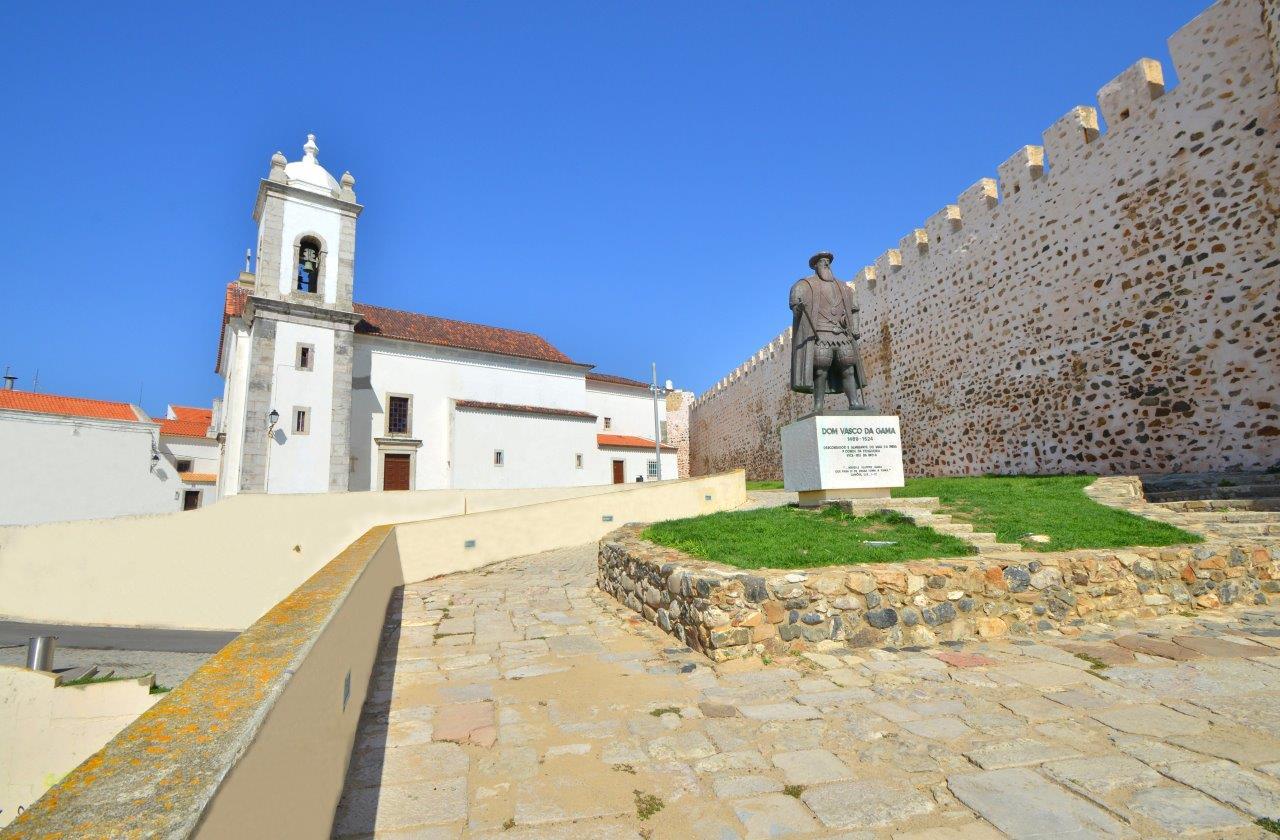 Igreja matriz e Vasco da Gama - Sines - Credito Turismo do Alentejo