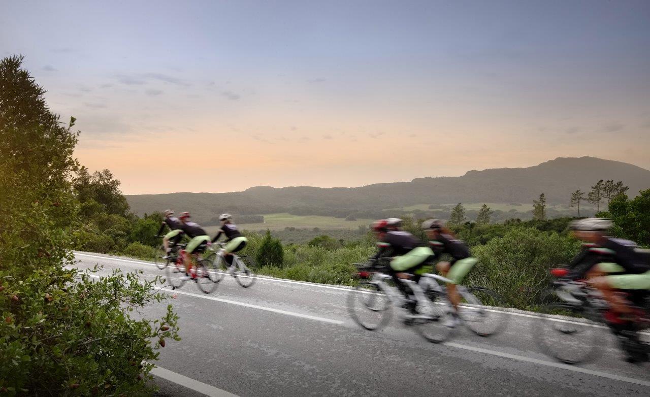Live Love Ride - os tours passam por paisagens cenicas